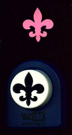 McGill Giant Art Punch - Badge - Fleur de Lis